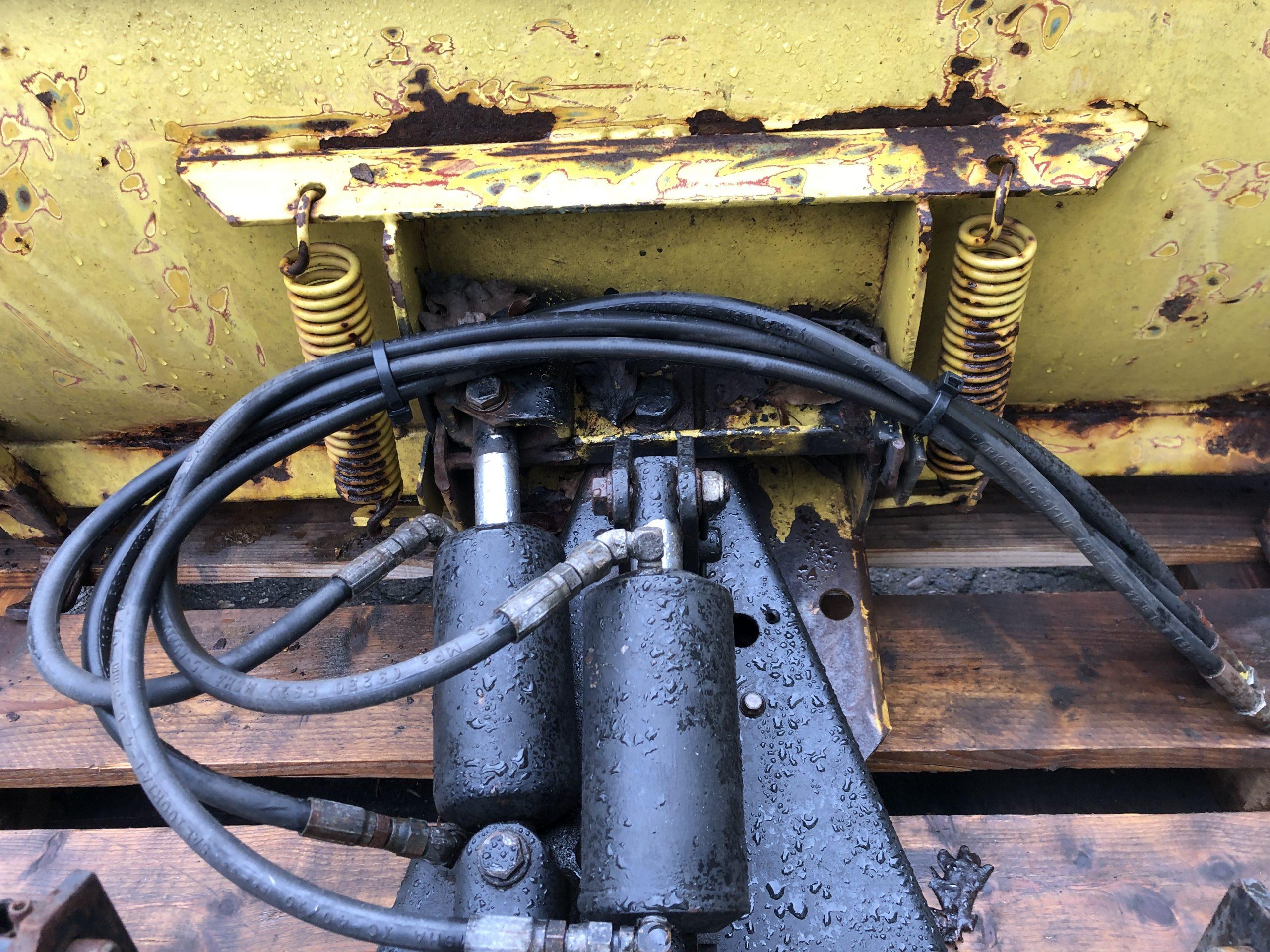 John Deere Schneeschild 137 cm * hydr. verstellbar * JD-Aufnahme