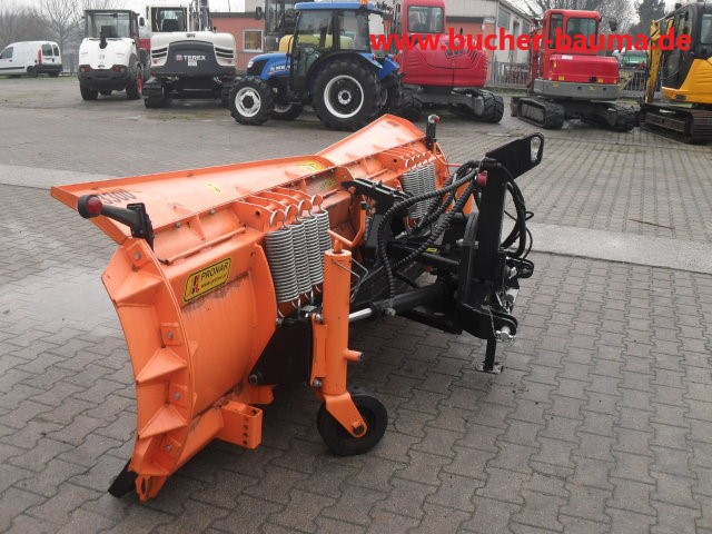 Schneeschild Pronar PU 3300 – Wenig benutzt