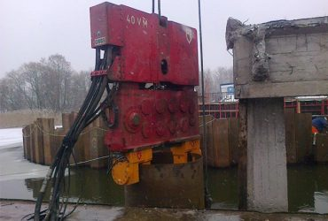 Used clamp for open piles PVE 2 x 100T