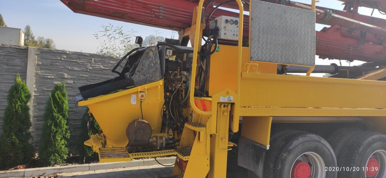 The concrete pump Putzmeister BRF 32.09