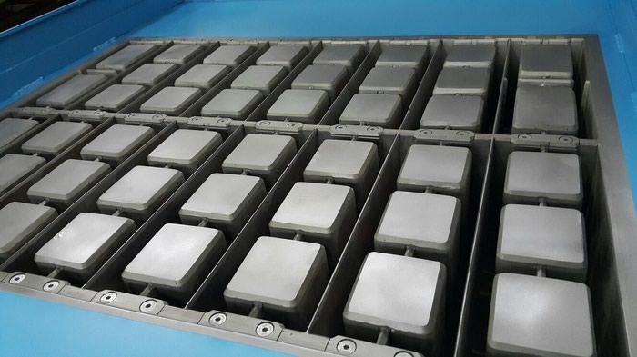 Scandinavian & UK Machines bietet hochwertige Vibrationskompressionsformen an
