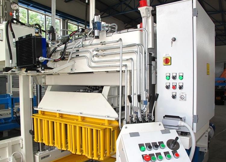 Bewegliche Betonsteinmaschine SUMAB E-6 SCHWEDEN