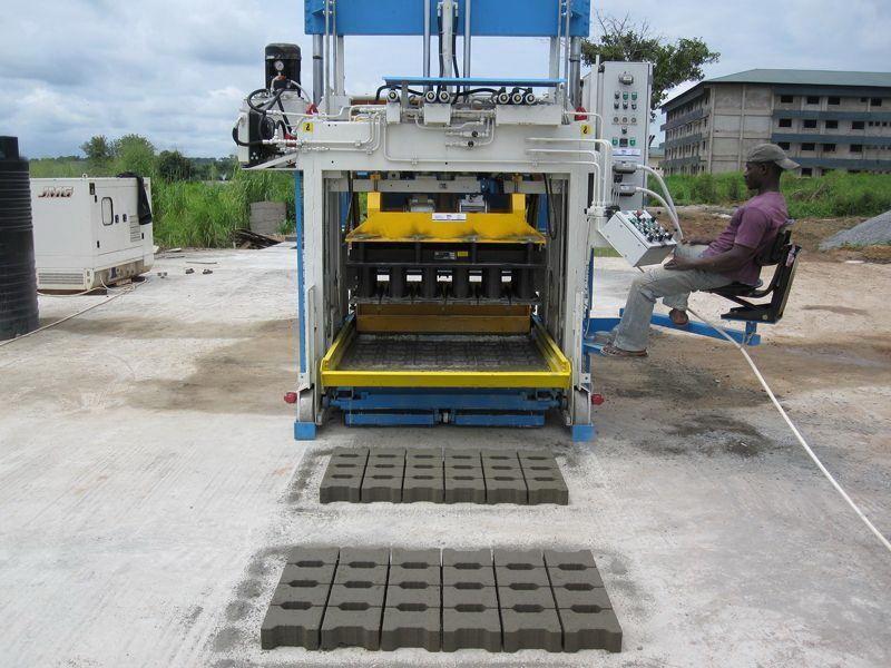 Bewegliche Betonsteinmaschine SUMAB E-12 SCHWEDEN