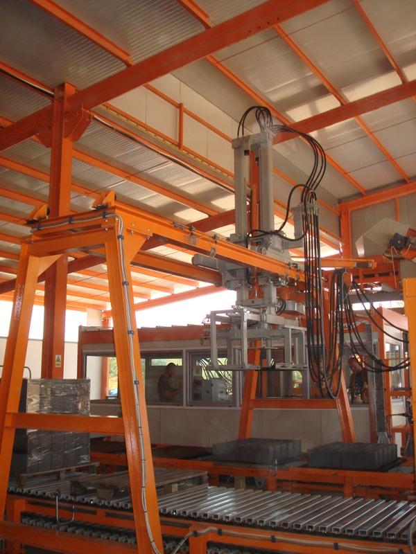 Blockproduktionsmaschine SUMAB R-1000